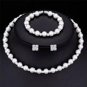 Jewelry - Beautiful jewelry Bridal set
